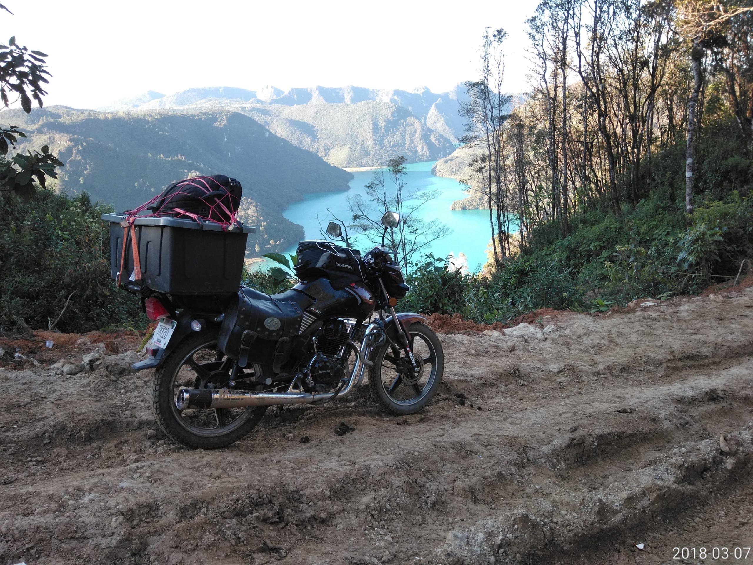 Motorrad Mexiko, Guatemala Laguna Brava