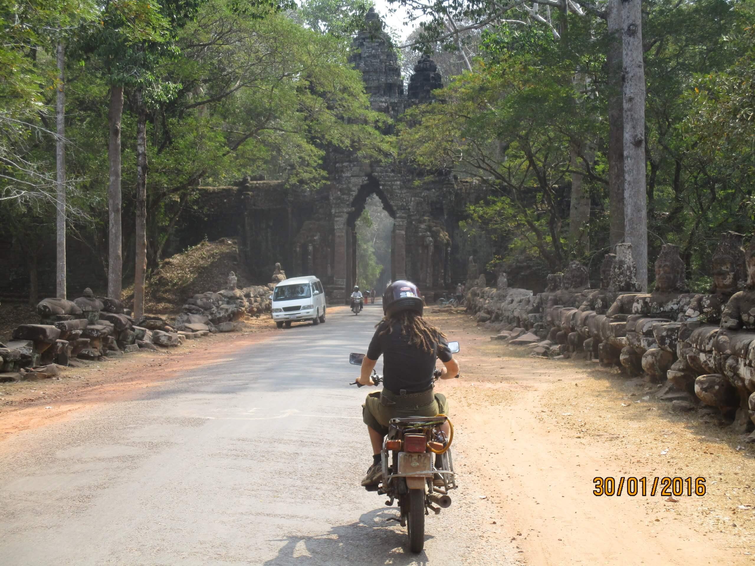 Motorrad in angkor Wat